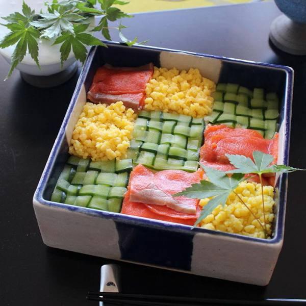 أطباق السوشى تتحول لوحات فنية bntpal.com_148530364