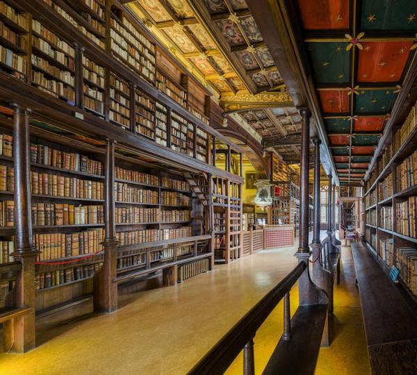 أكسفورد أقدم وأكبر مكتبة أوروبا