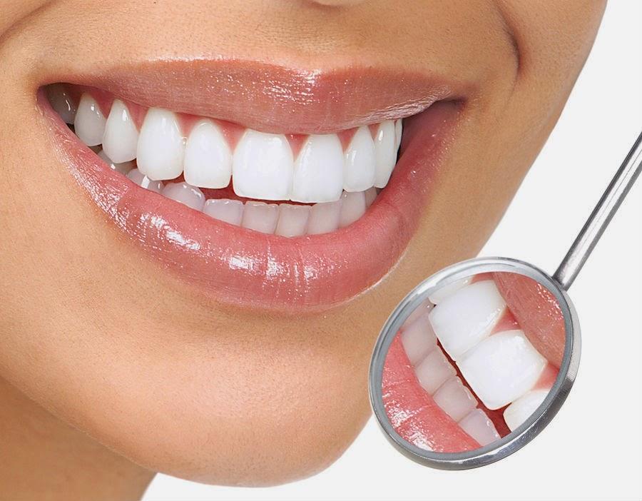 طريقة فعالة لتبييض الاسنان بالملح