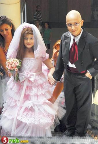 طفلة مريضة بالسرطان تحقق حلمها bntpal.com_149250127