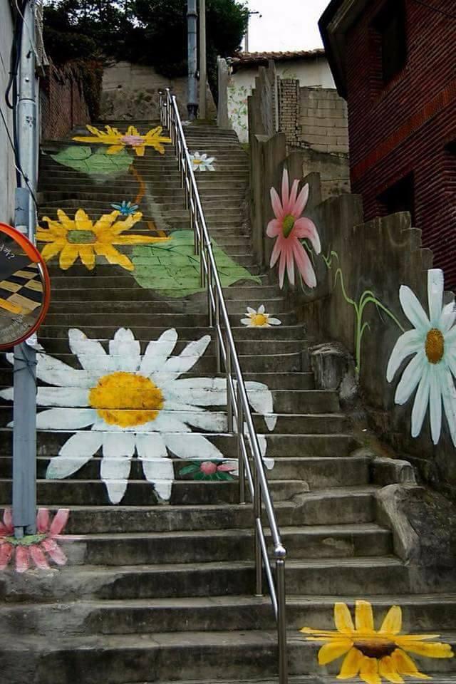 الرسامون يعطون لوناً للحياة bntpal.com_151395182