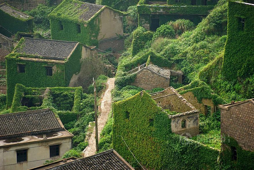 القرىُ النائِمة أحضِان الطِبيَعة bntpal.com_162487718