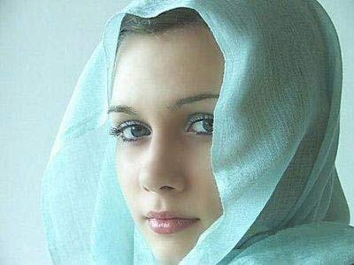 الجمال وجهة العظماء والمشاهير bntpal_1422279461_15