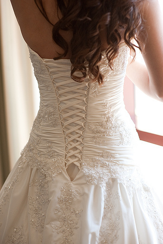 احدث فساتين زفاف 2015 فساتين bntpal_1424896489_84