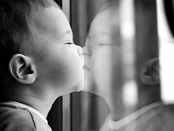أجمل الأطفال أمام المرايا 2015 bntpal_1425997375_54