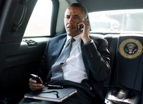 أوباما محروم اقتناء هاتف bntpal_1426244175_85