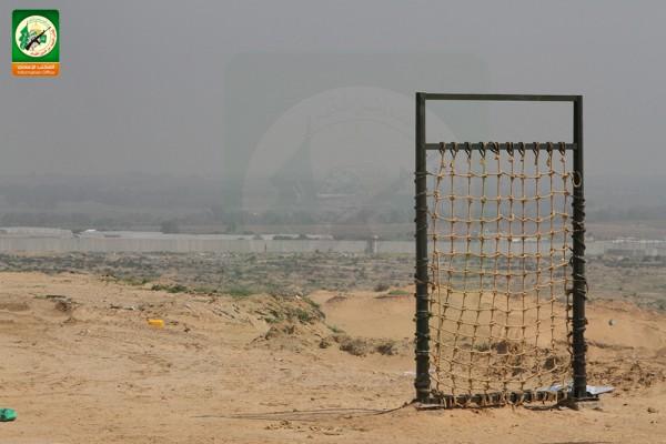 حماس-تنشر صوراً لتدريبات المستوطنات المحاذيه bntpal_1426338165_35