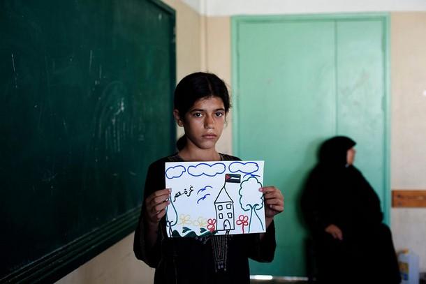 بالصور اطفال يرسمون مستقبلهم تراه bntpal_1427839340_55