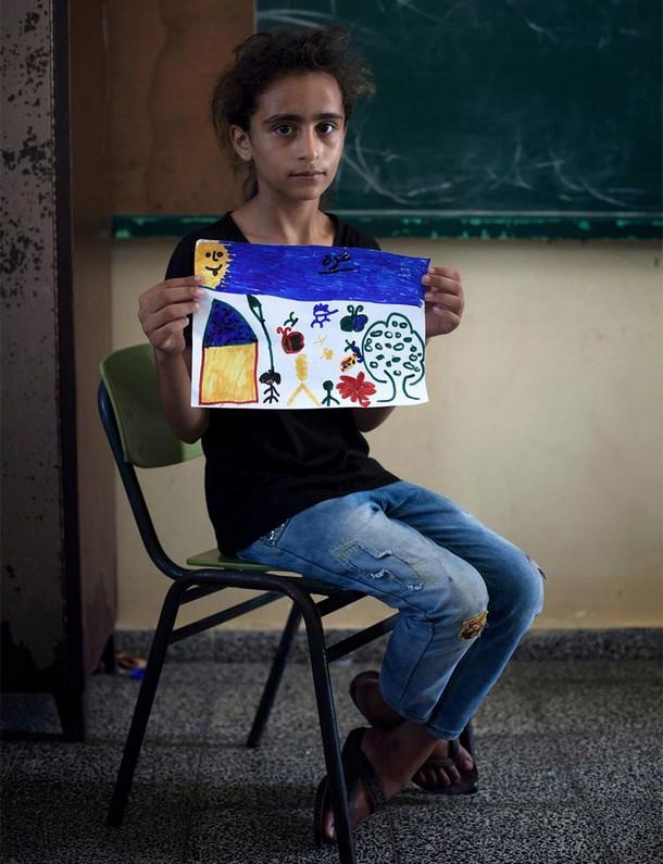 بالصور اطفال يرسمون مستقبلهم تراه bntpal_1427839340_90