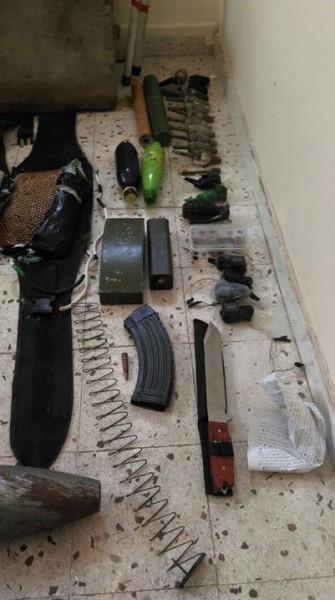 صور- مقتل مسلح بتفجير نفسه bntpal_1433237913_46