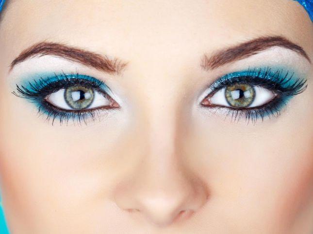 كيفية عملْ ميكْ عيونْ باللونْ bntpal_1439480962_52