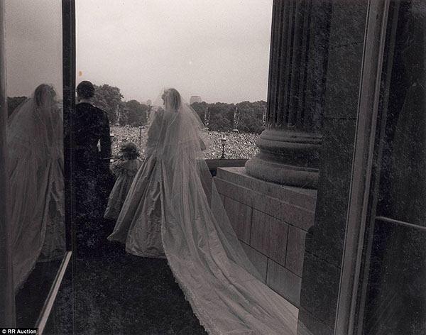 زفاف الأميرة ديانا والأمير تشارلز bntpal_1439540182_22