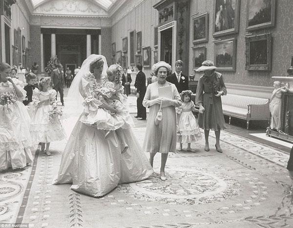 زفاف الأميرة ديانا والأمير تشارلز bntpal_1439540182_61