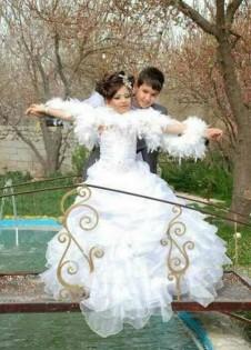 إيران..العريس عاما والعروس (صور) bntpal_1440857029_63