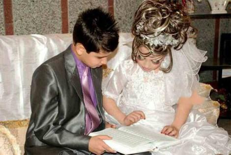 إيران..العريس عاما والعروس (صور) bntpal_1440857029_80