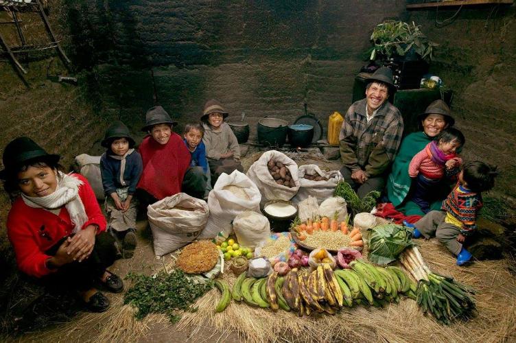 لعائلات العالم وماذا يأكلون bntpal_1440938112_96