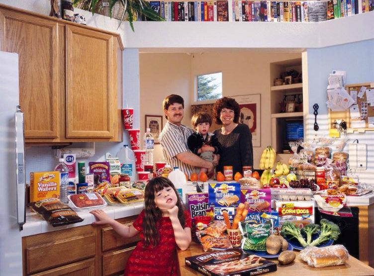 لعائلات العالم وماذا يأكلون bntpal_1440938118_54