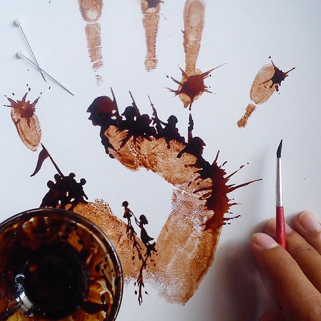 فنان يحول قهوة الصباح لوحات bntpal_1444420300_89