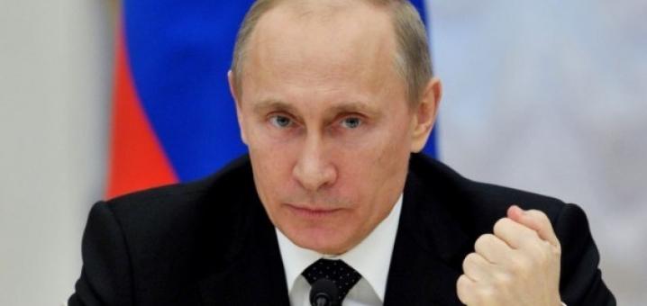 بوتين يقترح هرمون الرجولة للزعماء bntpal_1447928973_93