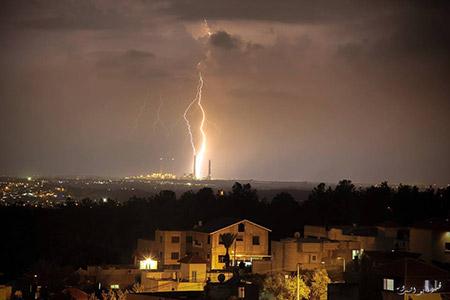 البرق يزين سماء بلدة معاوية bntpal_1450448582_58