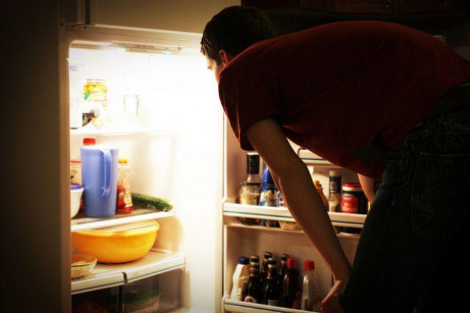 طعام الليل يؤثر الدماغ bntpal_1452069641_79