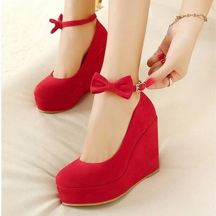 تتلون قدميكِ بجمآال اللون ىالاحمر bntpal_1456905383_90