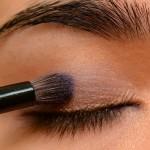 طريقة مكياج العيون الزرقاء بشكل bntpal_1458971433_65