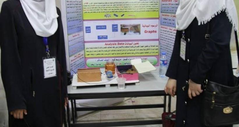 طالبتان تبتكران مشروعاً للتحكم بالأجهزة bntpal_1463065370_64