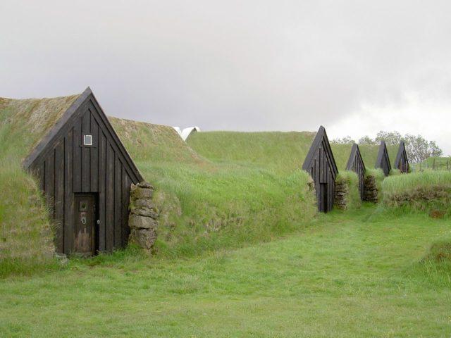منازل العشب الايسلندية التقليدية