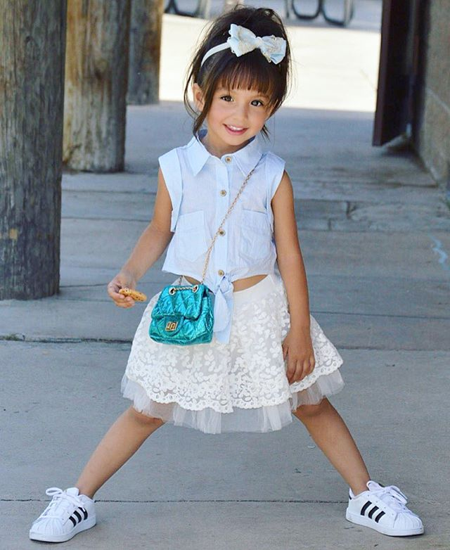 الموضة والأنآقة بعيون طفلَة bntpal_1482566159_53