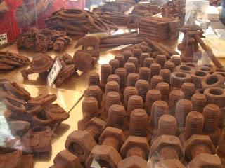 شوكولاته بأشكال غريبه bntpal_1491431767_46