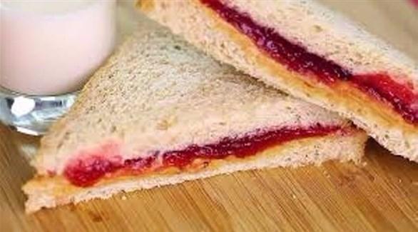 خطورة الجمع المربى والخبز الأبيض bntpal_1495177341_10