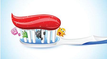 لماذا يجب تغيير فرشاة الأسنان بانتظام؟!