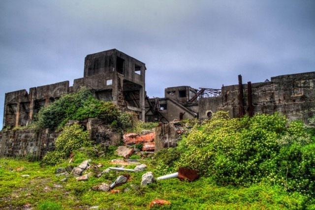 جزيرة هاشيما اليابانية المهجورة جزيرة